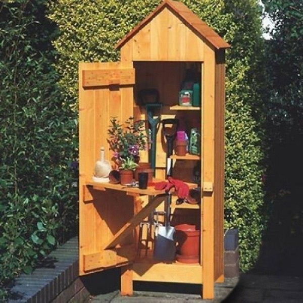 Gardeners tool shed for Outdoor tool shed
