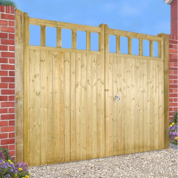 Made to Measure Quorn Estate Gate