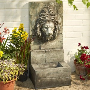 Classic Lion Head Water Feature