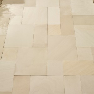 Smooth Sandstone Ivory Patio Kit