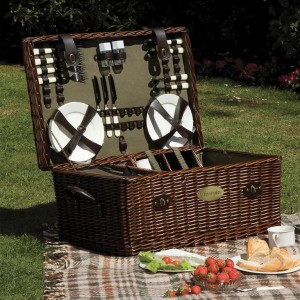 Family Willow Picnic Hamper