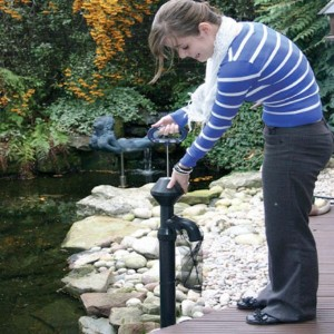 AquaVac Manual Pond Vacuum