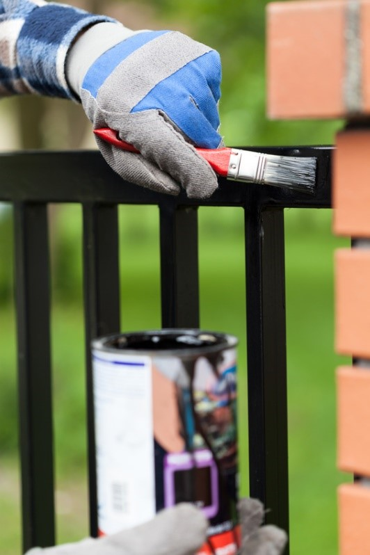 How to paint a gate and railing for protecting it and maintaining it over the longer term